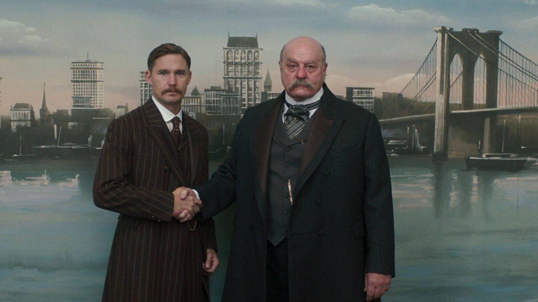 Roosevelt junto a J.P. Morgan en una imagen de 'El Alienista'. (Netflix)
