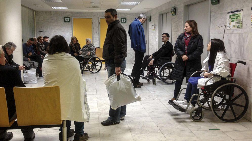 Foto: Sala de espera de Urgencias de un hospital. (EFE)
