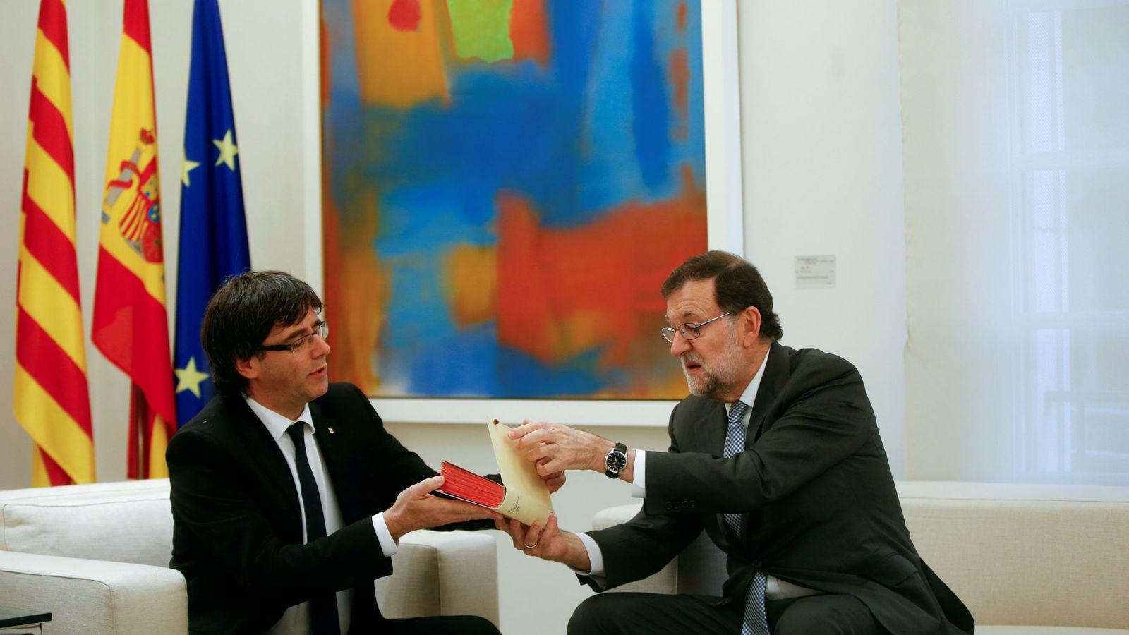 Foto: Mariano Rajoy y Carles Puigdemont, en su última reunión en Moncloa. (Reuters)
