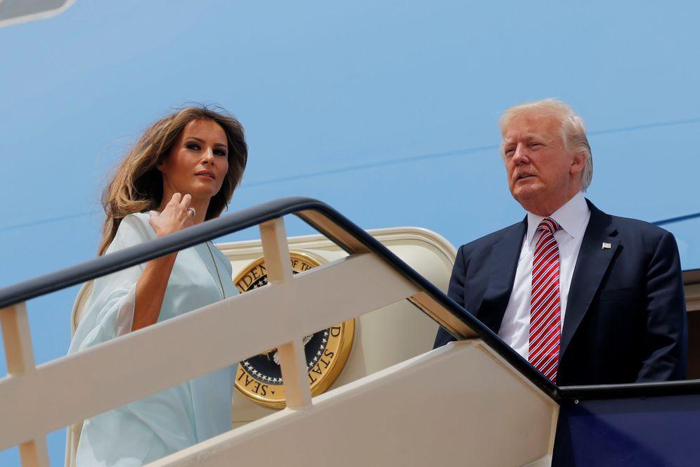 Foto: Donald y Melania Trump montan en el Air Force One en Riad para dirigirse a Israel, el 22 de mayo de 2017. (Reuters)