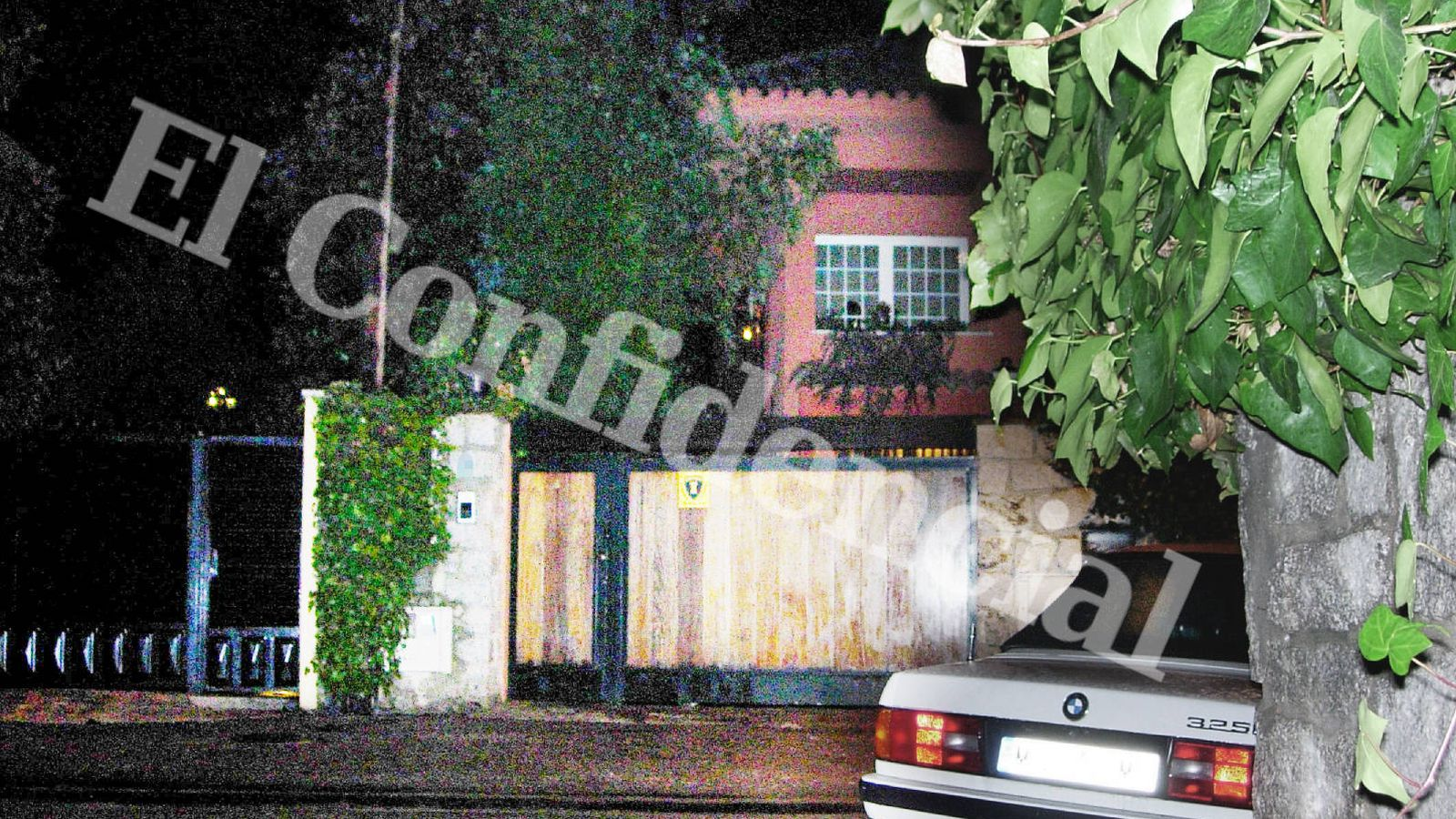 Foto: Operación de vigilancia de la vivienda de Carlos Arenillas, vicepresidente de la CNMV de la época.