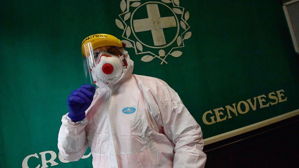 Foto: Un médico con mascarilla. (Reuters)