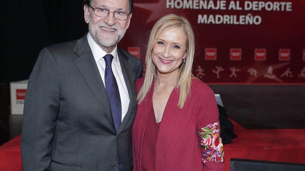Foto: Imagen de archivo del presidente del Gobierno, Mariano Rajoy, junto a la presidenta de la Comunidad de Madrid, Cristina Cifuentes. (EFE)