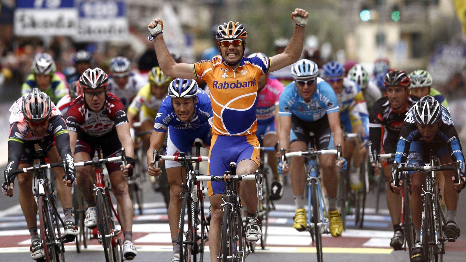 Foto: Óscar Freire ganó tres veces la Milán-San Remo. En la imagen, su victoria en 2007. (Reuters)