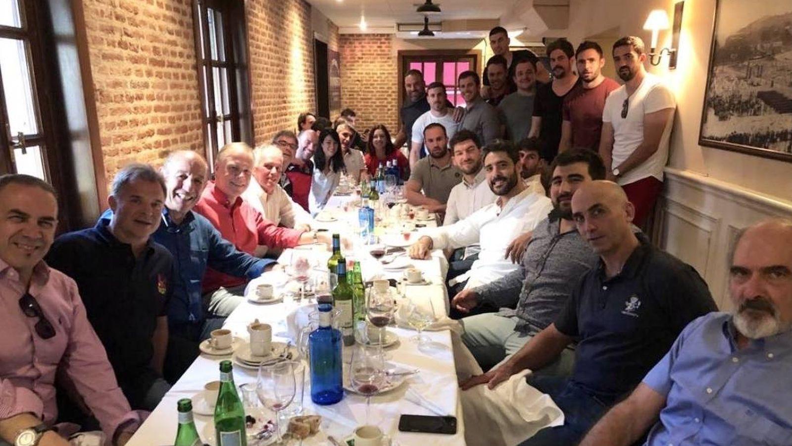 Foto: Los jugadores y el staff, en la cena organizada por la Federación de Rugby