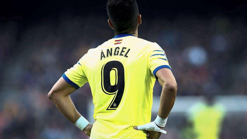 Foto: Ángel, durante un instante del encuentro disputado entre el Barça y el Getafe. (EFE)