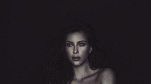 Kim Kardashian vuelve a desnudarse (ahora por los derechos de las mujeres)
