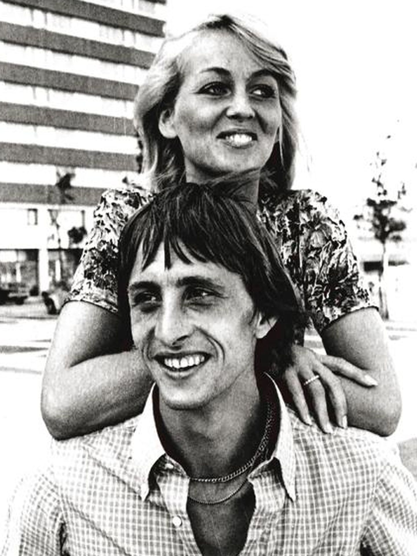 Johan Cruyff junto a su mujer, Daniela 'Danny' Coster. (Facebook)