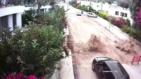 Dos coches escapan por unos segundos de la explosión de una tubería en Turquía