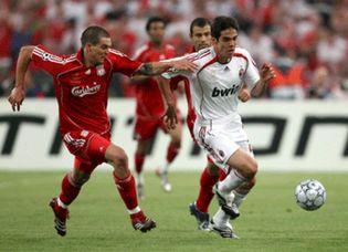 Foto: El Milán gana por 2-1 al Liverpool en una final 'a la italiana'