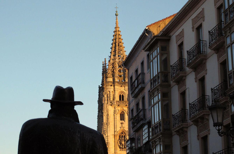 Foto: A Oviedo lo conoceréis también por sus estatuas