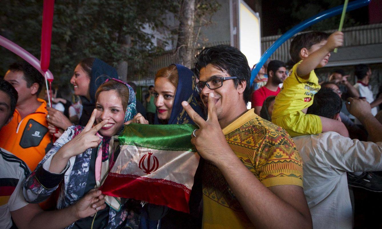 Los jóvenes se preparan para vivir en un Irán sin sanciones
