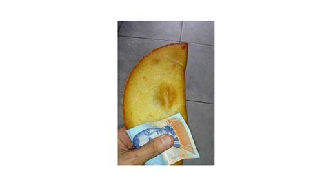 Venezuela usa sus billetes como servilletas por el poco valor del dinero