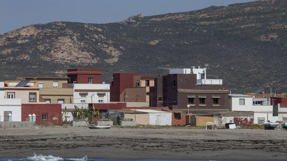 Foto: Vista de la Playa de la Atunara en La Línea (Fernando Ruso)