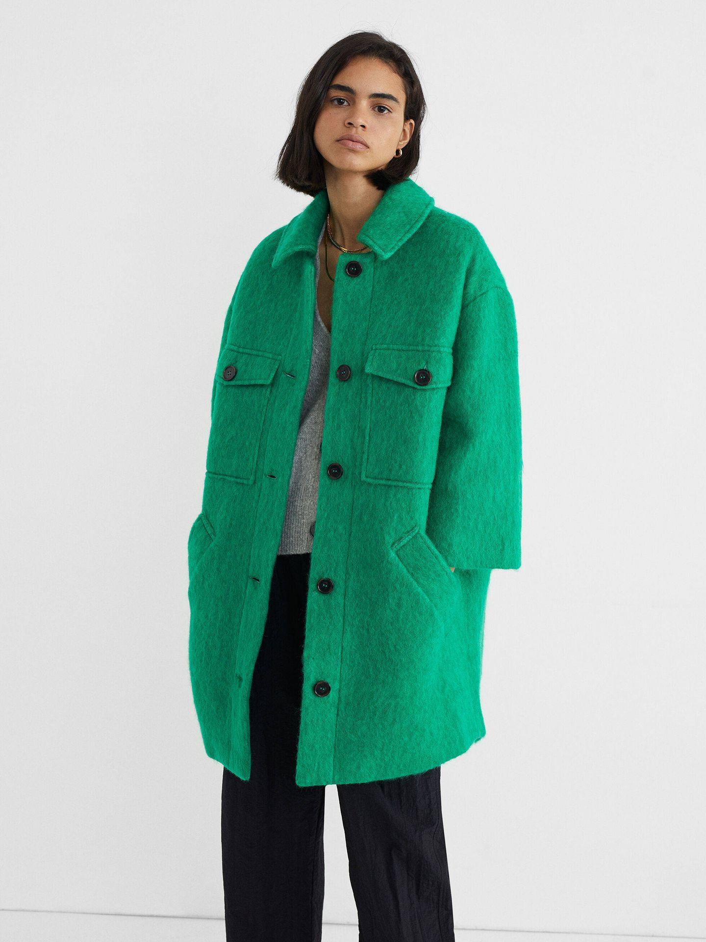 El abrigo de Parfois. (Cortesía)