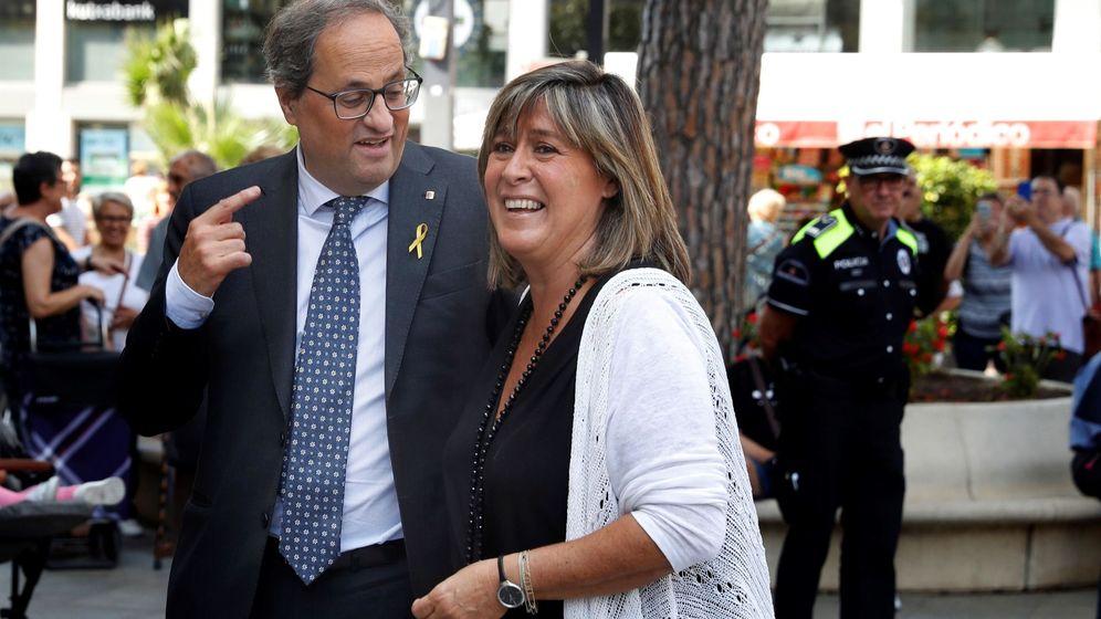 Foto: Quim Torra, junto a la alcaldesa de L'Hospitalet, Núria Marín. (EFE)