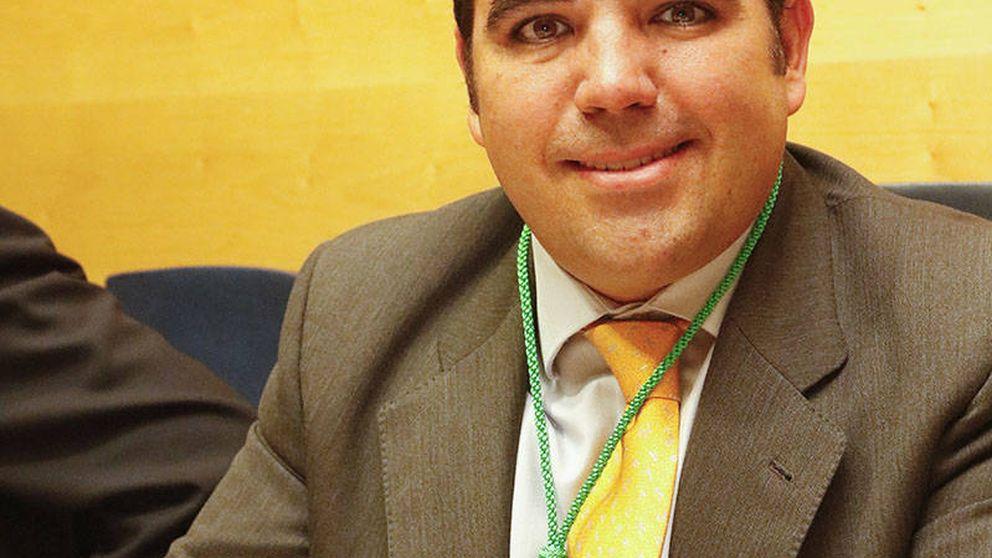 El edil que hizo un escrache junto a Hogar Social, candidato del PP en Boadilla
