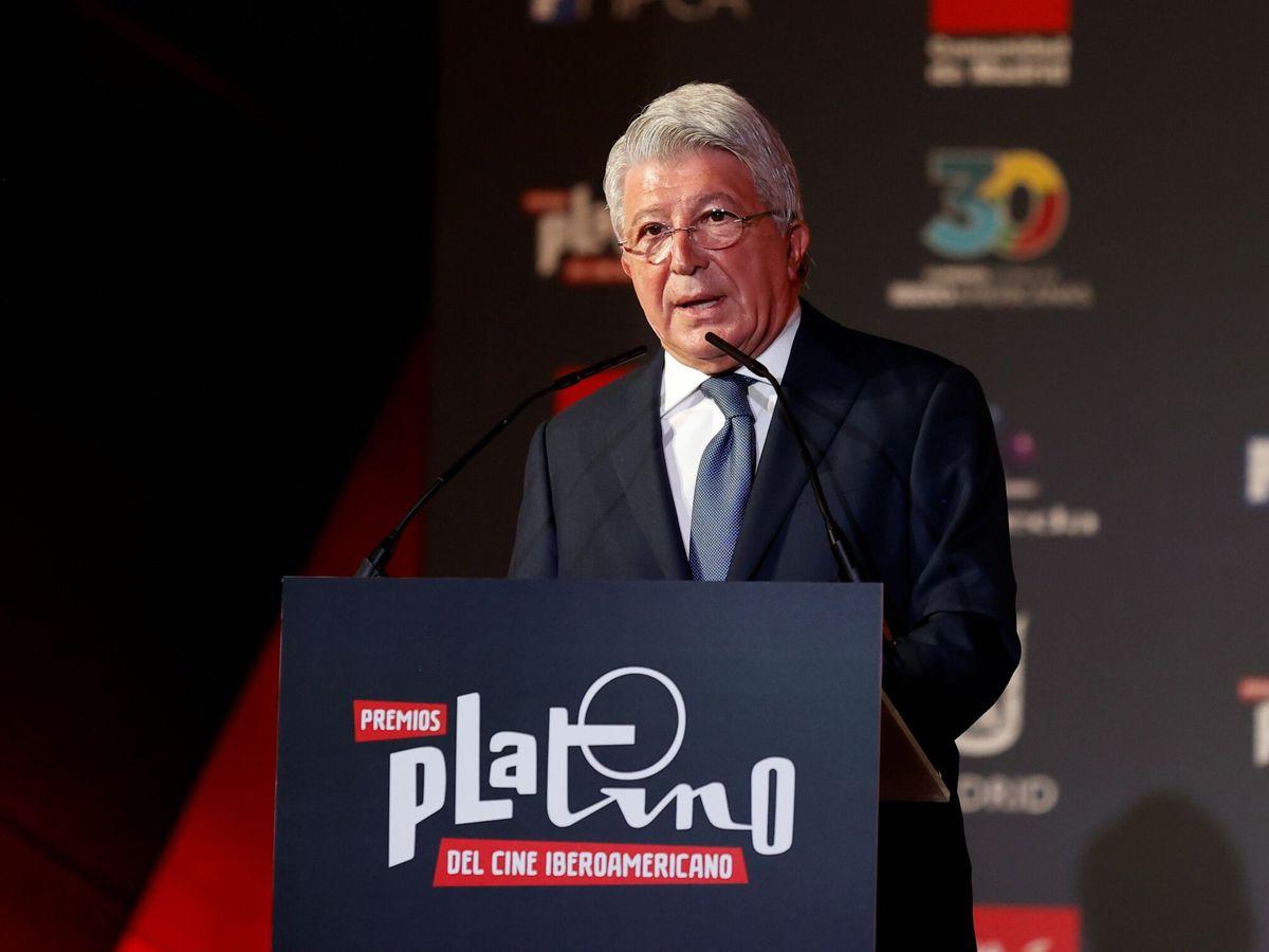 Foto: El presidente de EGEDA, Enrique Cerezo, participa en la lectura de las nominaciones (EFE)