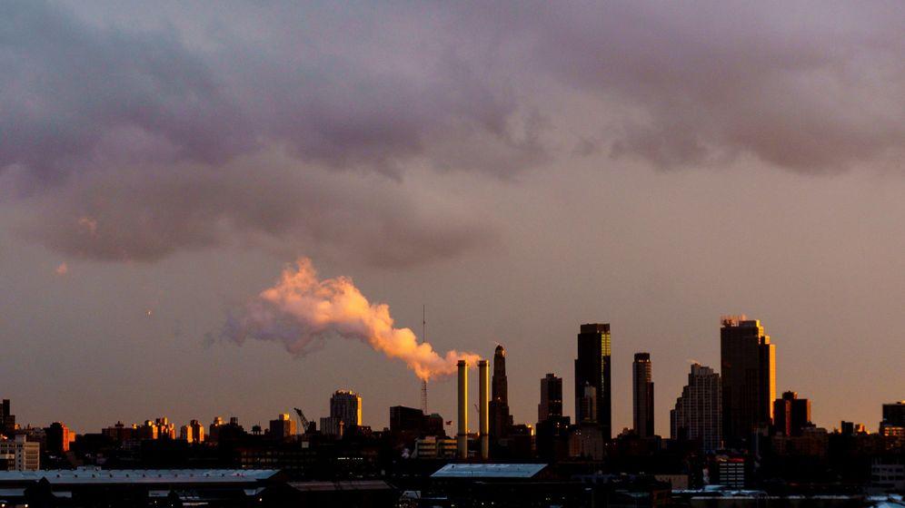 Foto: Planta de energía en Brooklyn, Nueva York. (EFE)