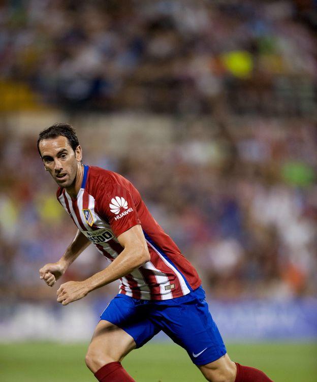 Foto: Godín seguirá siendo la referencia defensiva del Atlético (Cordon Press).