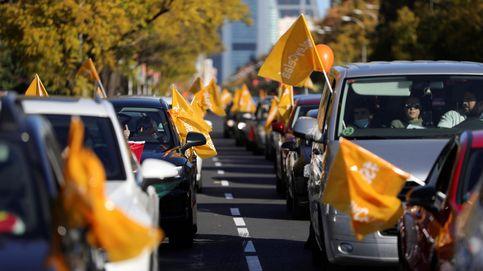 Las manifestaciones de vehículos contra la ley Celaá, en imágenes