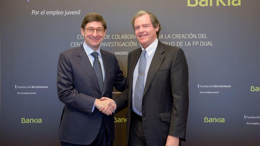 Foto: José Ignacio Goirigolzarri, presidente de Bankia, junto a Francisco Belil, vicepresidente de la Fundación Bertelsmann. (Bankia)