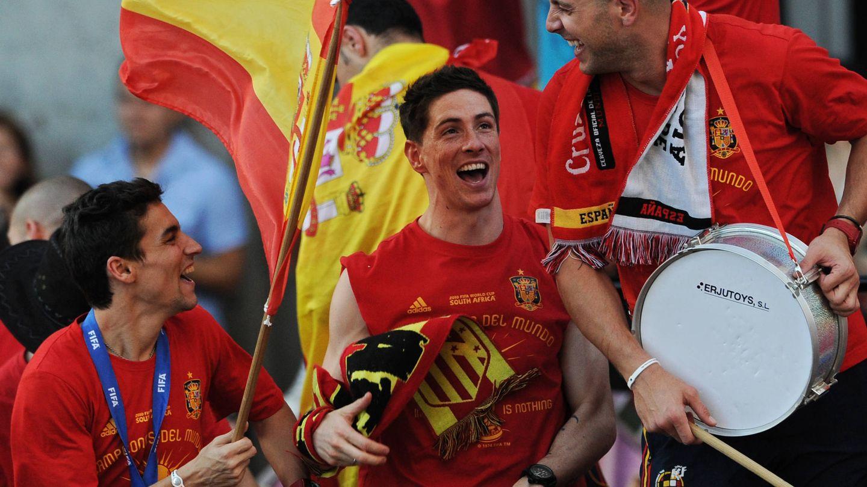 Reina, junto a Fernando Torres y Jesús Navas, celebrando la victoria en el Mundial. (Getty)