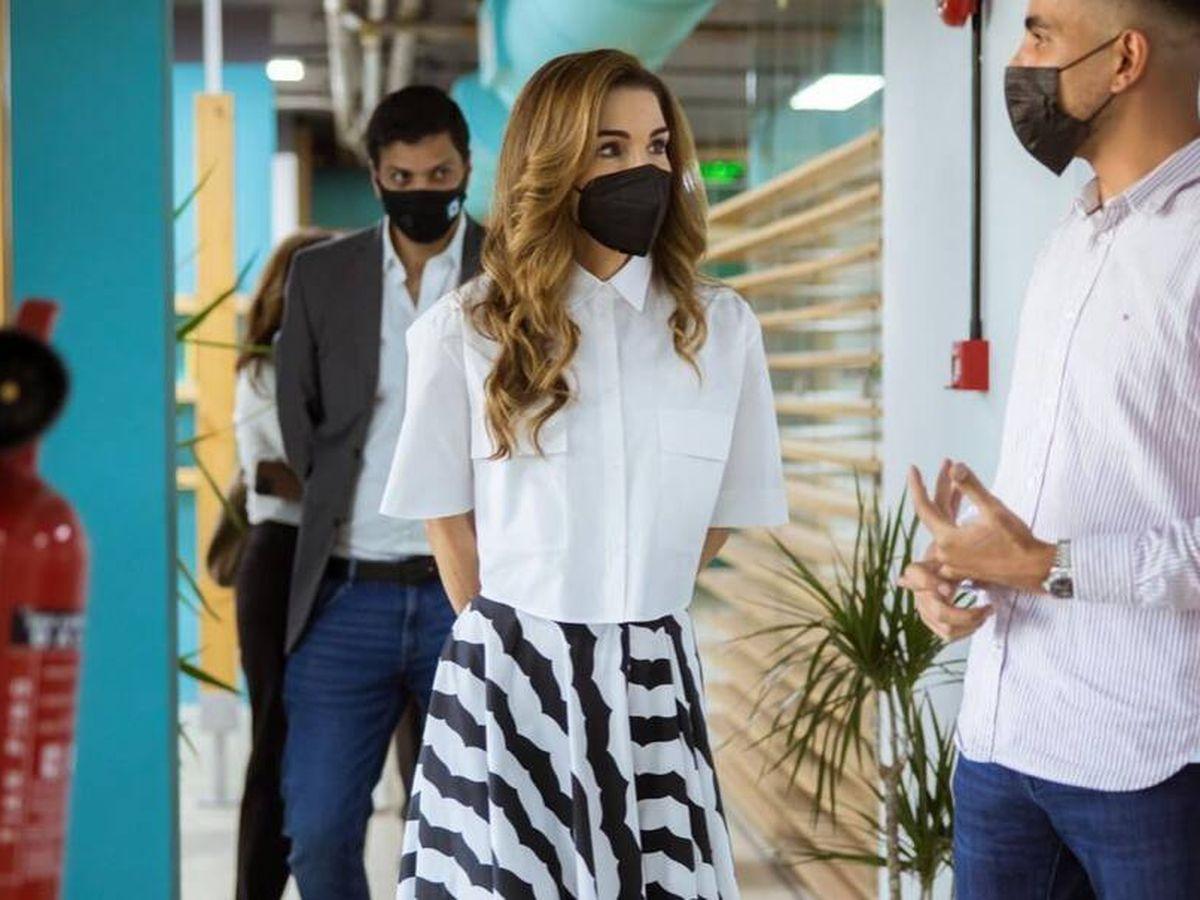 Foto: La reina Rania en su vuelta al trabajo. (Instagram)