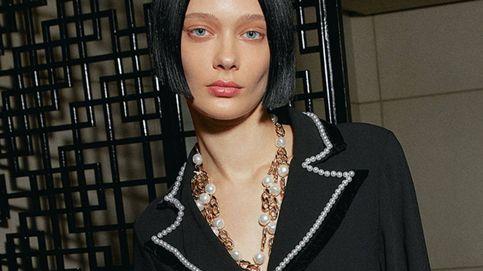 Los pendientes de perlas han vuelto y son el accesorio más moderno gracias a Uterqüe