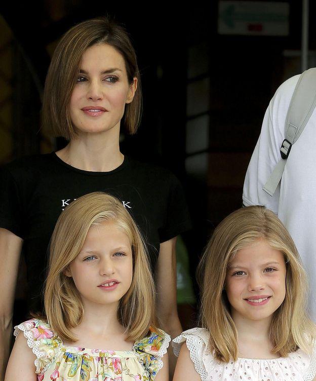 Foto: La Reina y sus hijas en el Real Club Náutico de Palma de Mallorca el pasado sábado (EFE)
