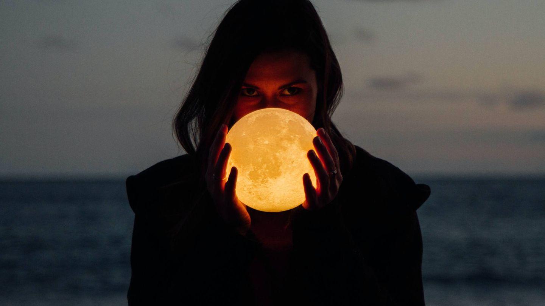 Las fases de la luna pueden ayudarnos a adelgazar. (Drew Tilk para Unsplash)