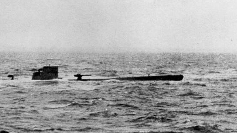 Un submarino U-110 nazi capturado por la Armada Real inglesa. (Royal Navy)