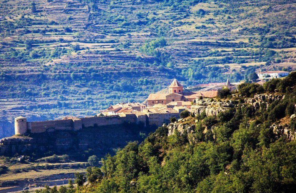 Foto: Allá en el fondo, Cantavieja, territorio a conquistar. (Foto: Turismo de Aragón)