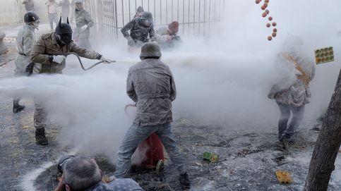 Cuatro reclusos escapan de una cárcel de Berlín y 'Els enfarintas' de Ibi: el día en fotos
