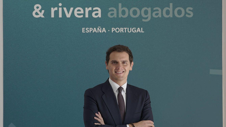 Albert Rivera 'cambia' el nombre al bufete Martínez-Echevarría y reordena la cúpula
