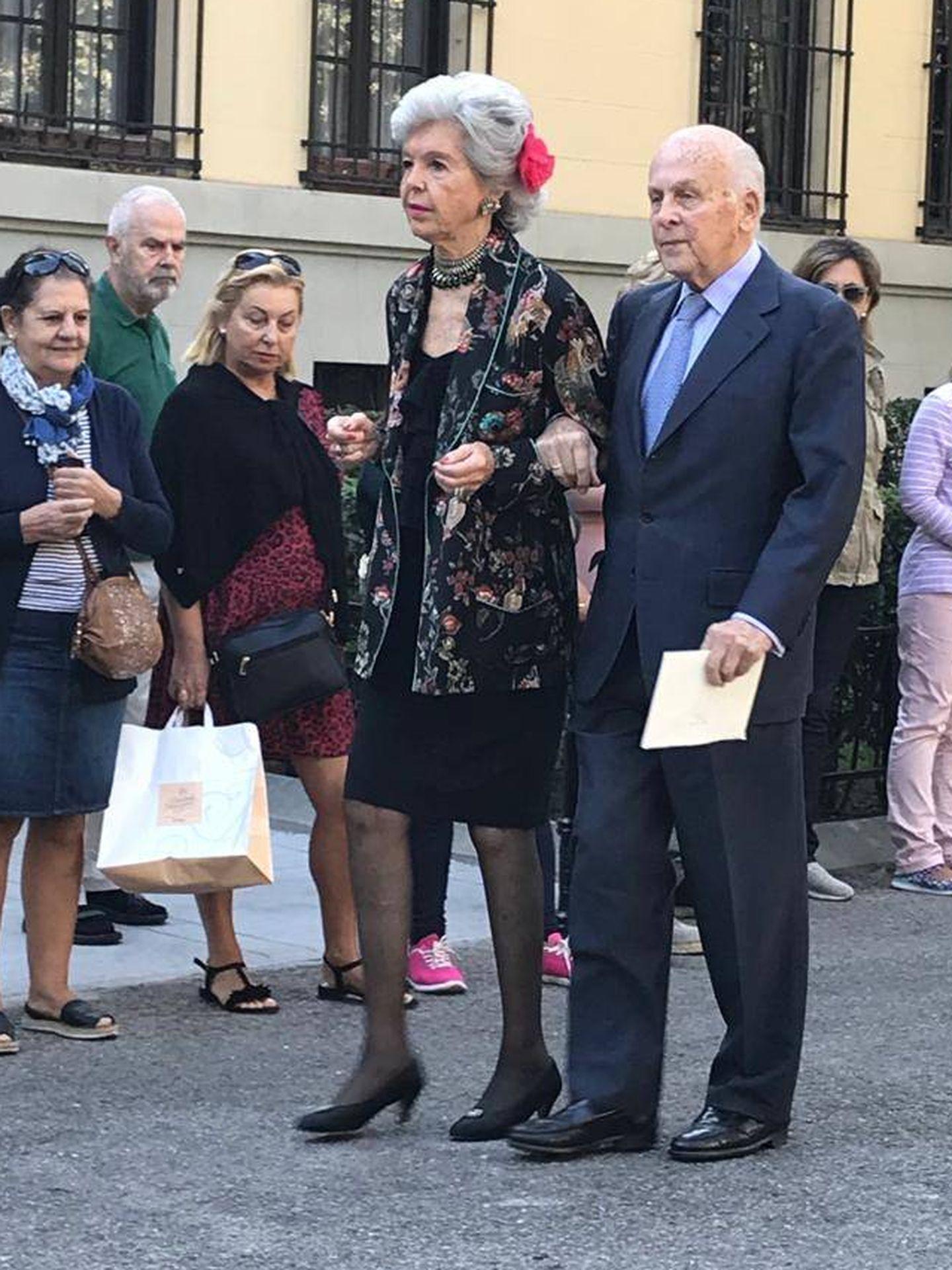 Varios invitados al enlace de Sofía y Fernando. (PI)