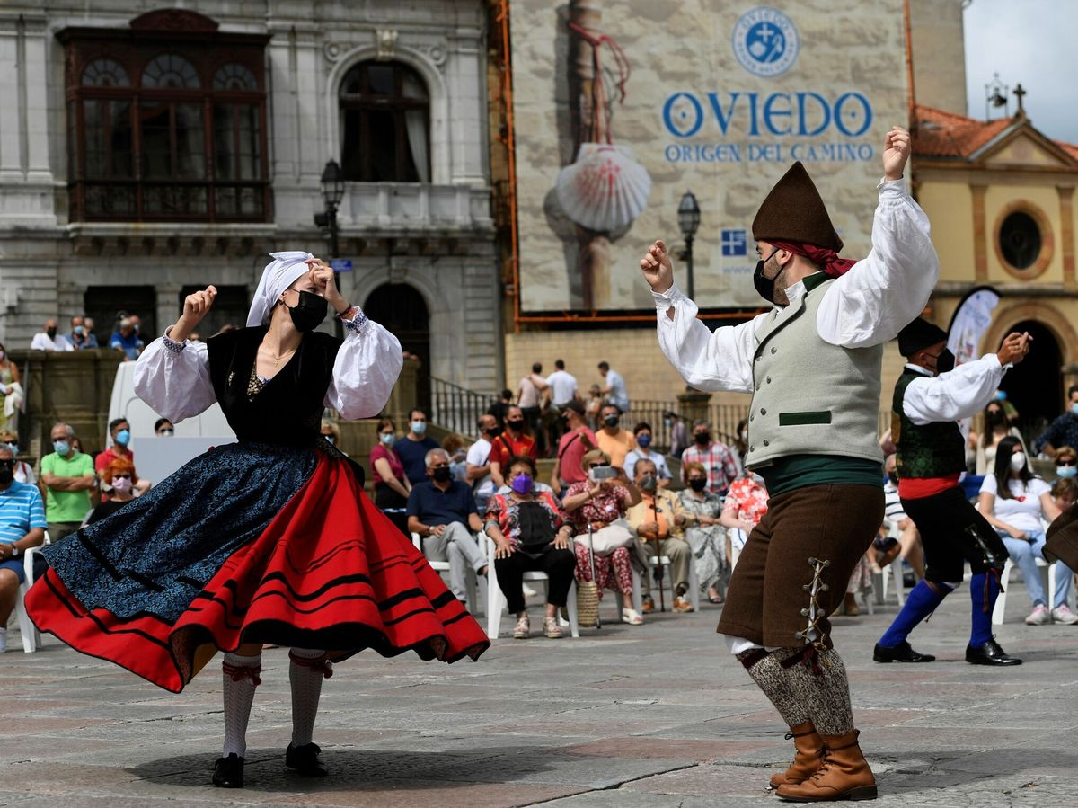 Foto: la plaza de la catedral de Oviedo. Foto: Efe