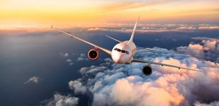 Post de Por qué los aviones comerciales no llevan paracaídas para casos de emergencia
