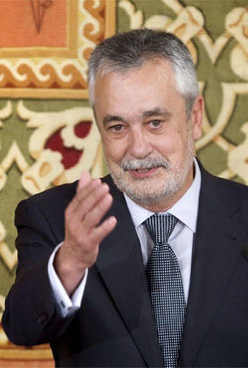 Foto: Luis Pizarro será el 'topo' de Chaves en el Gobierno andaluz de Griñán
