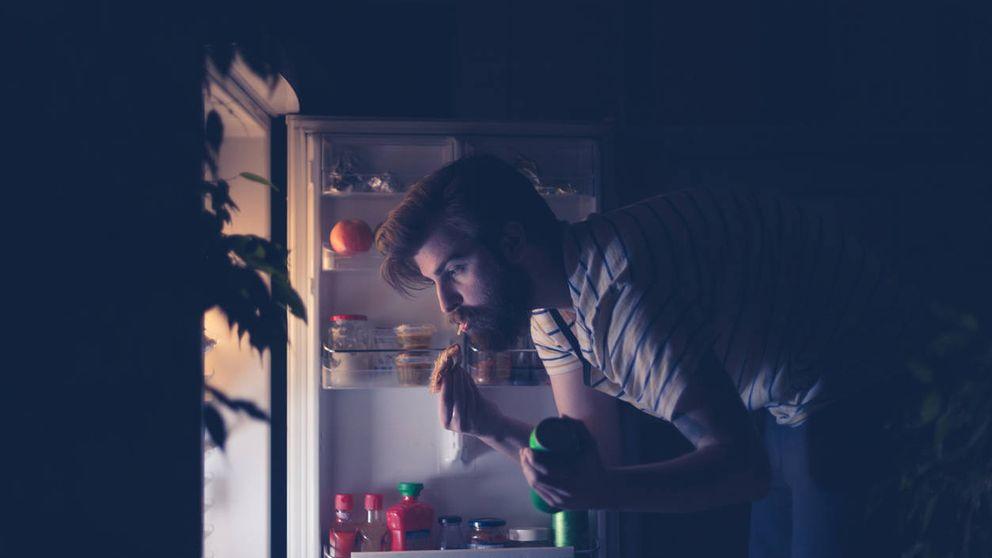 Cómo evitar comer de más por la noche y así adelgazar y dormir bien