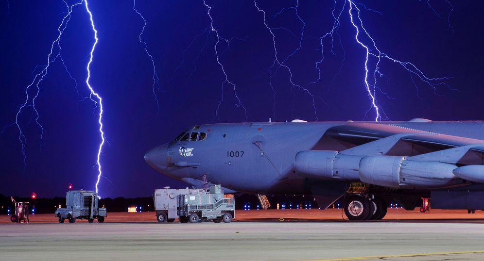 Foto: Un B-52 en una base aérea de Estados Unidos el pasado mes de agosto. (Reuters)