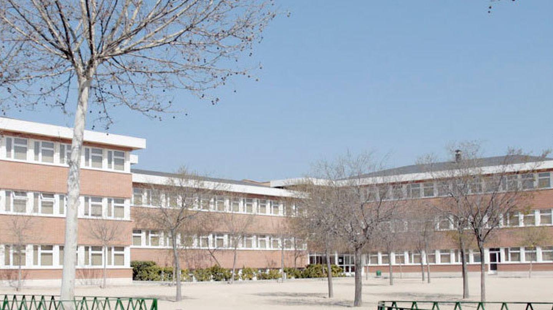 Fachada del edificio Mater Salvatoris.  (Página web del centro)
