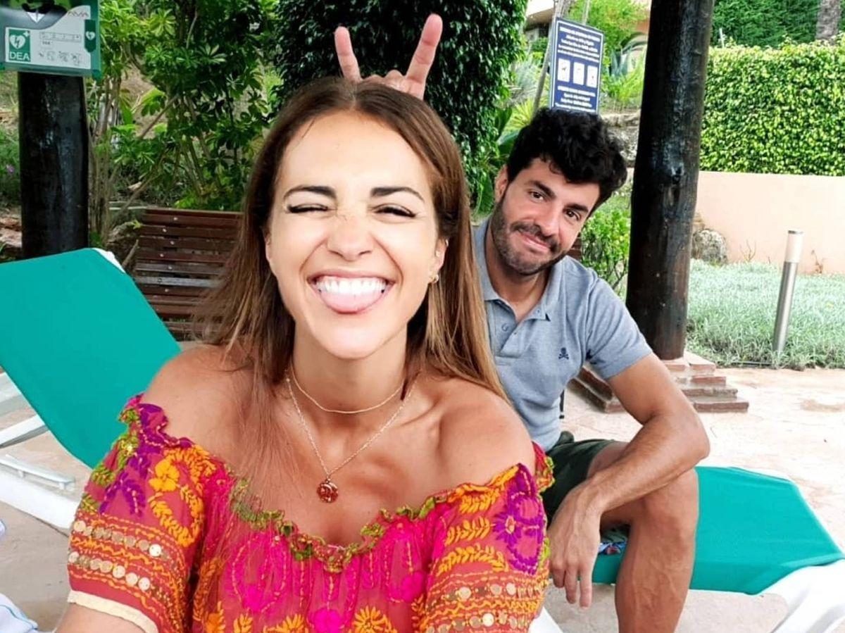 Foto: Paula Echevarría y Miguel Torres, en una de las fotografías compartidas por la actriz. (Instagram @pau_eche)