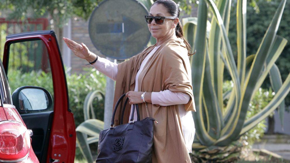 Isabel Pantoja regresa a prisión arropada por sus fans