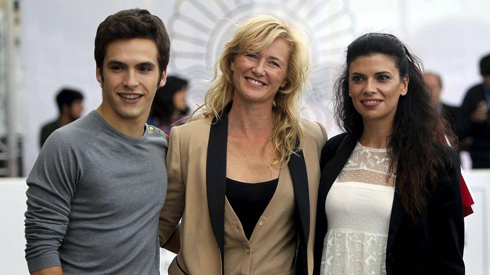 Foto: Los actores Ricardo Gómez, Ana Duato y Pilar Punzano, en una imagen de archivo. (EFE)
