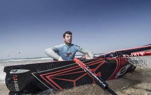 Álex Pastor, primer español campeón del mundo de kitesurf