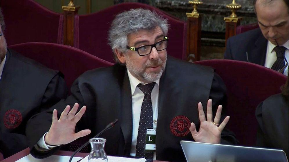 Foto: El abogado de Jordi Sànchez, Jordi Turull y Josep Rull, Jordi Pina. (EFE)