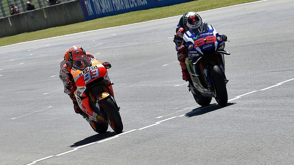 Lorenzo gana en casa de Rossi en un espectacular duelo con Márquez