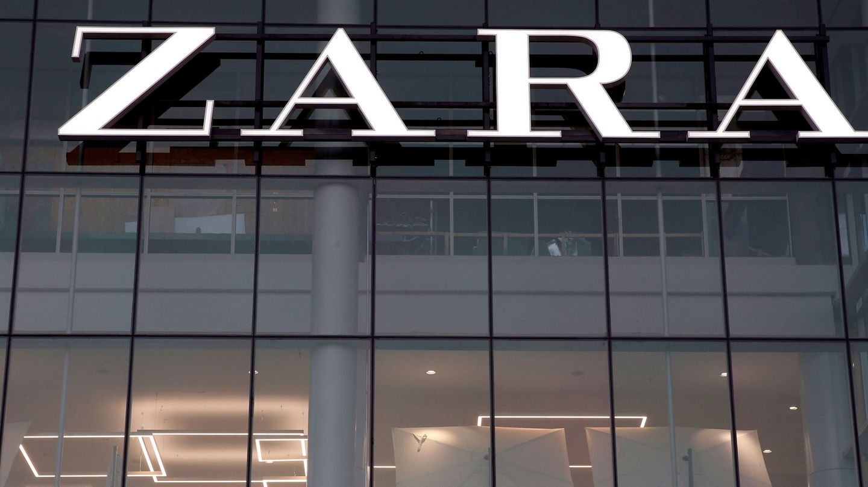 FILE PHOTO: The logo of the Zara store is seen in a mall at Vina del Mar, Chile  July 14, 2019. REUTERS Rodrigo Garrido File Photo