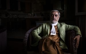 Un día con el hombre que podría presidir Afganistán